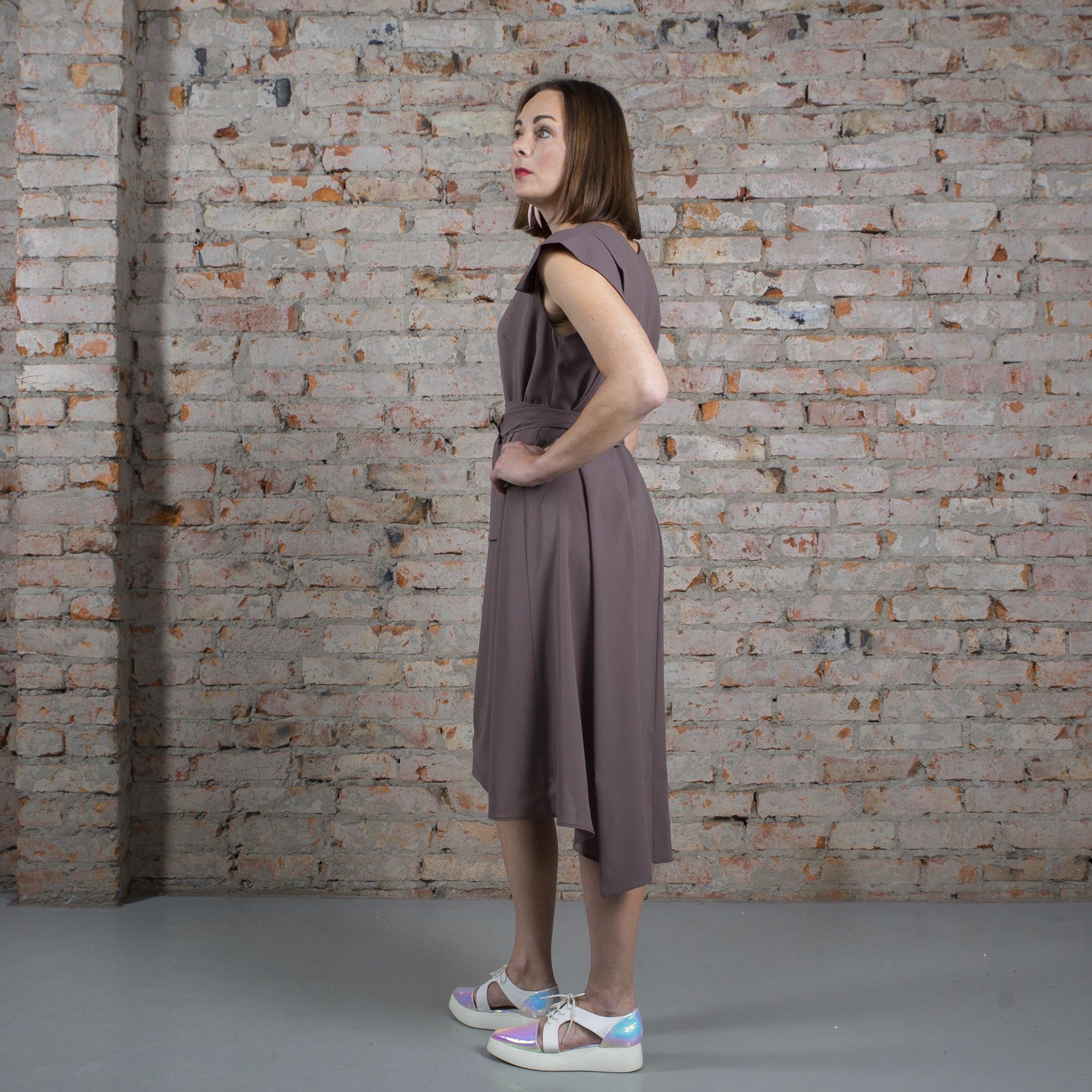Платье табачное с крыльями