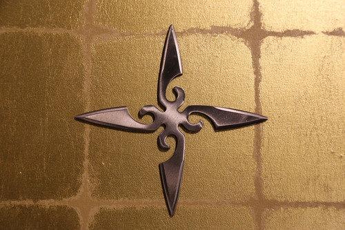 Large shuriken (Ninja star) : cross/silver 大型手裏剣 十字型/銀