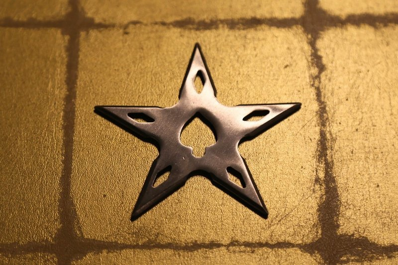 Large shuriken (Ninja star) : star/silver 大型手裏剣 星型/銀