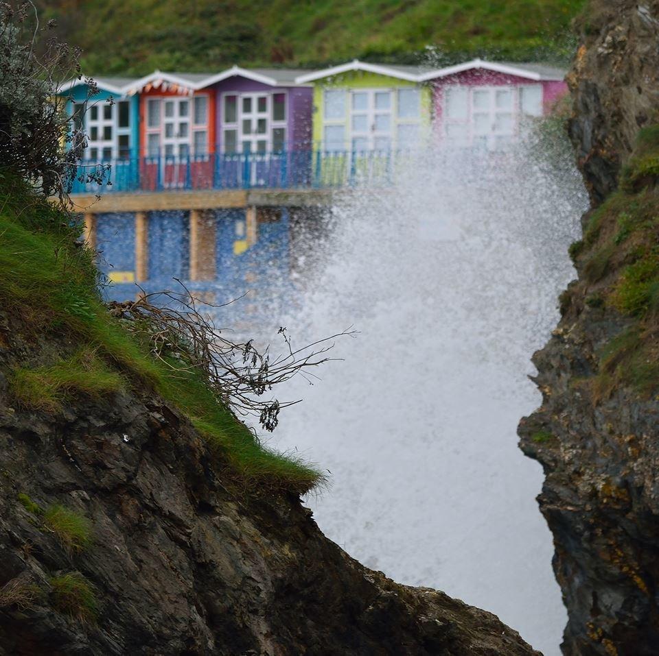 Lavender Sanctuary - Luxury Beach Hut Hire - Towan Beach, Newquay, Cornwall