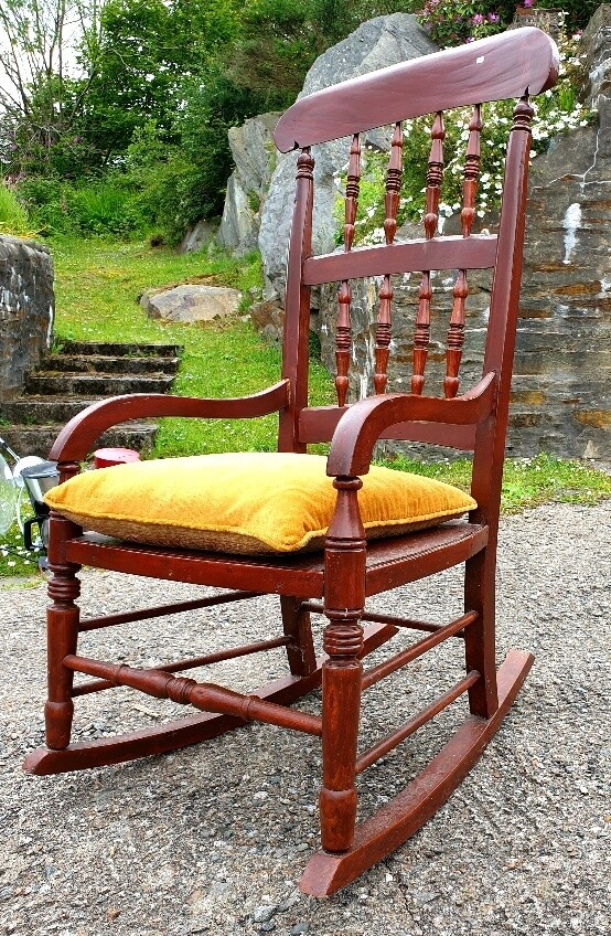 Rocking Chair - Early 20th Century complete with Cushion