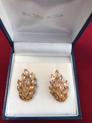 Pair of 9k Yellow Gold Earrings set with stunning yellow Sapphires