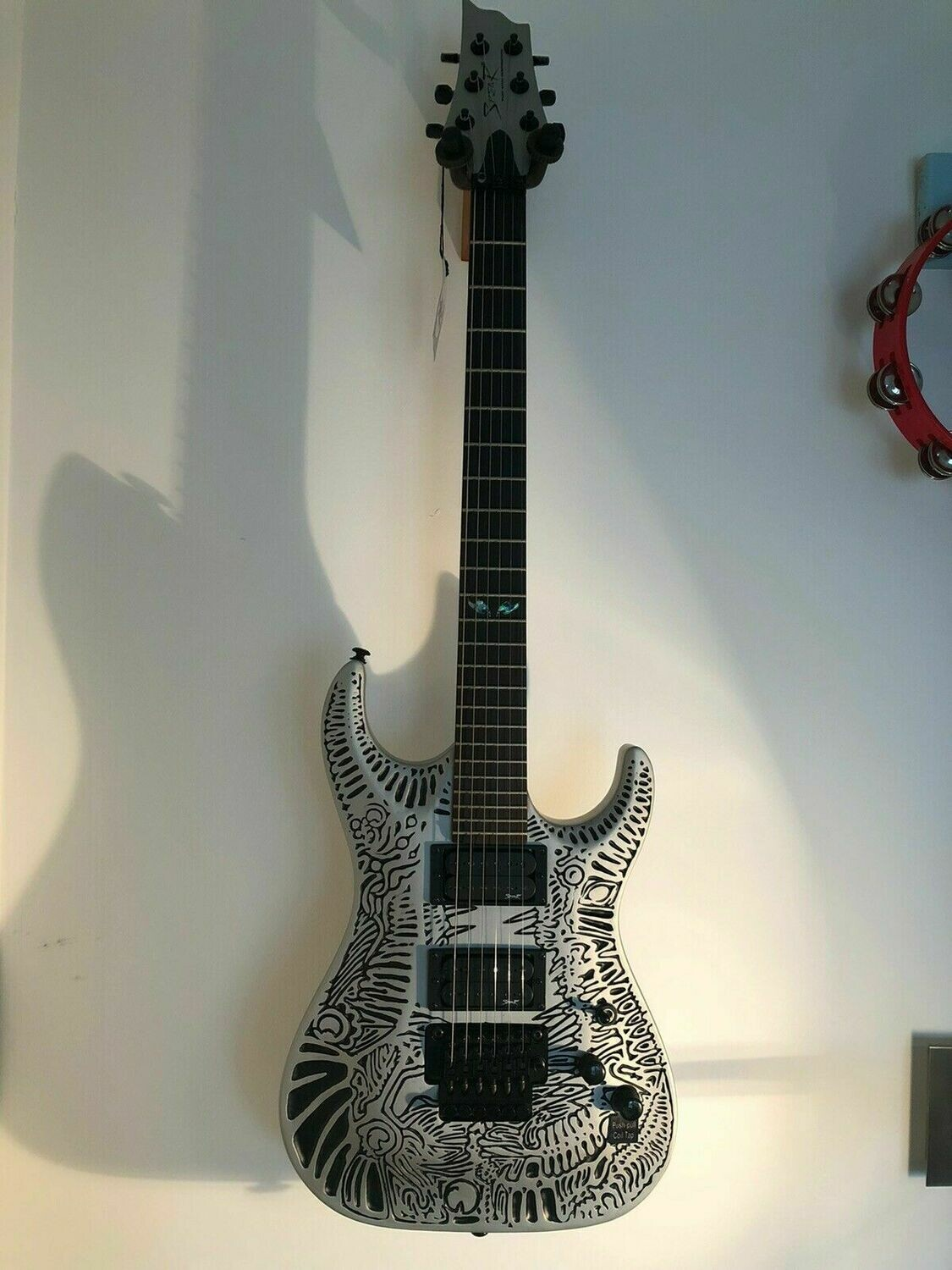 Spear Electric Guitar Floyd Rose Tiger TC-1 with Luthite body, embossed silver