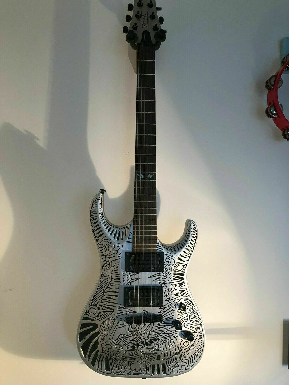 Spear Electric Guitar Silver Tiger TC-1 with Luthite body, embossed, stunning !