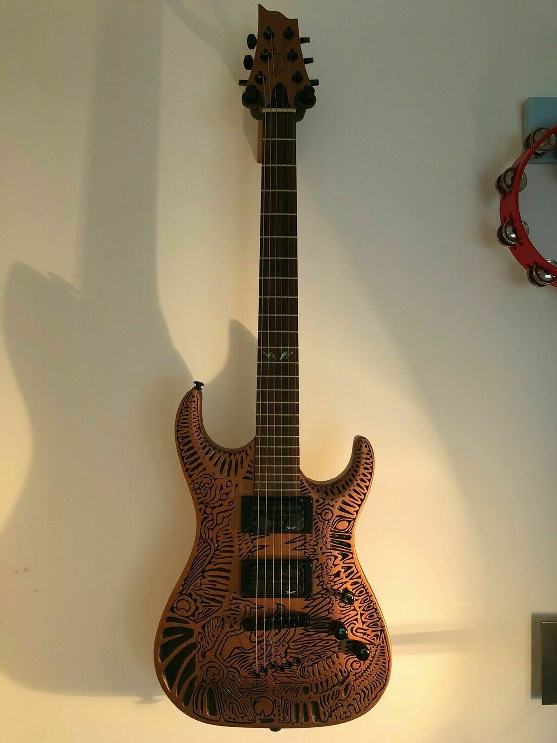 Spear Electric Guitar Bronze Tiger TC-1 with Luthite body, embossed, stunning !