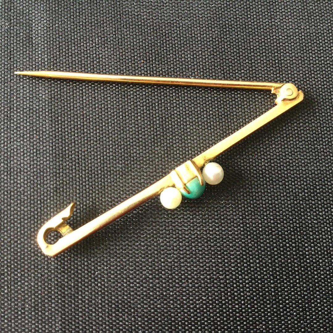 9ct Gold Bar Brooch with Seed Pearl 00040