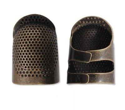 Clover  justerbar fingerbøll i metal str M