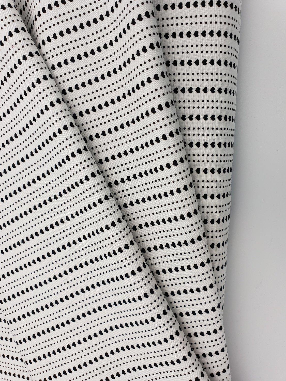 Sort/Hvit med hjerter i striper