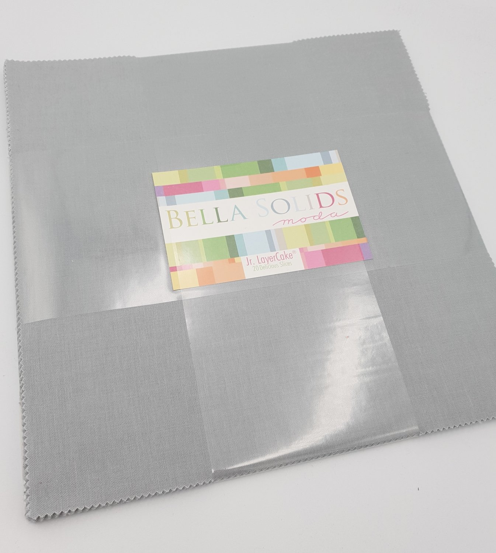 Layer Cake Jr. Bella Solids - Lys grå