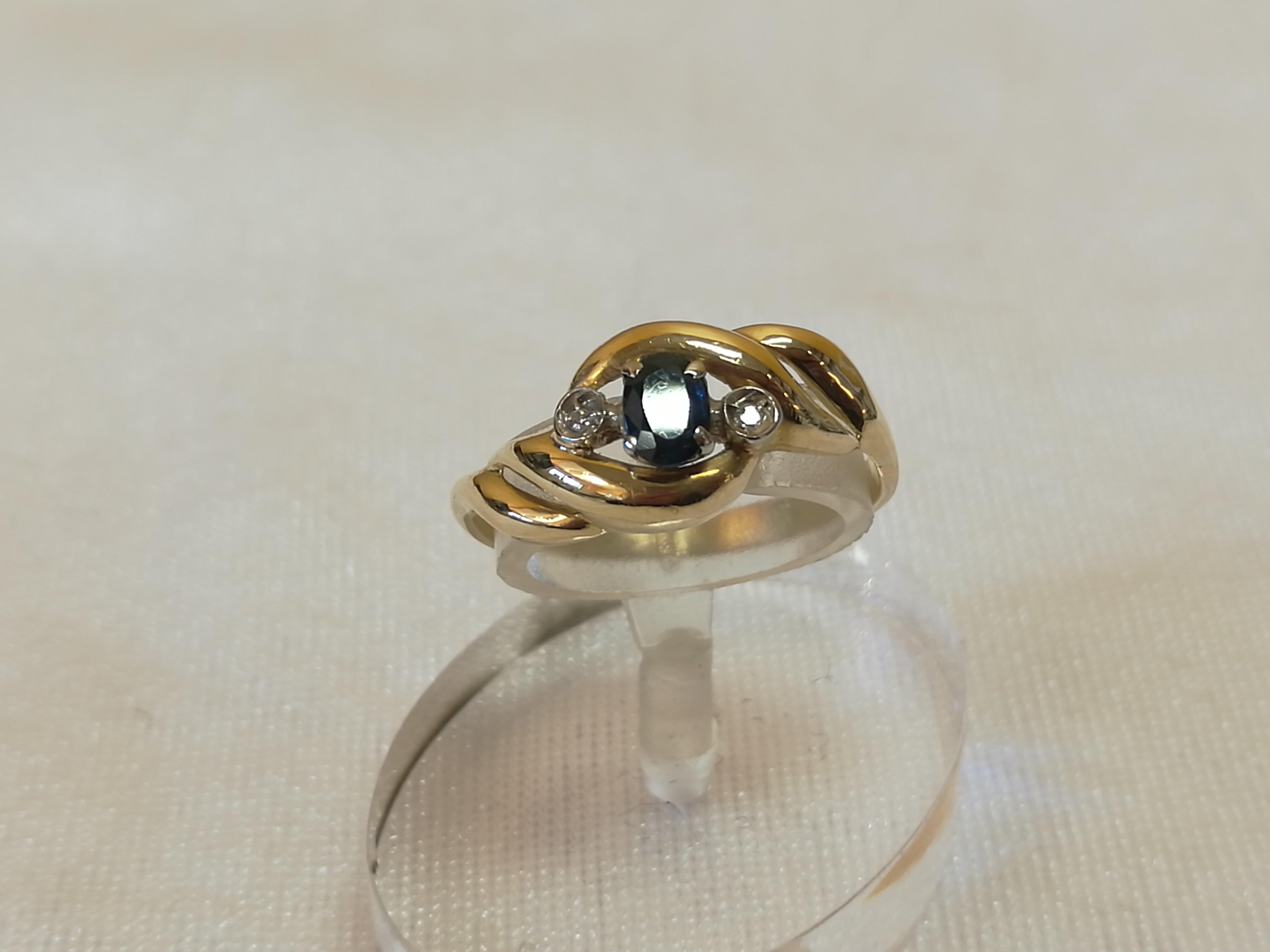 Anello Oro Giallo 18 carati gr 2.46 con zaffiro centrale e  diamantini 0.02 MISURA 14 F568-E