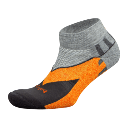 New 2019: Enduro Low Cut in Carbon/Grey