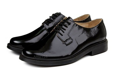 Военные туфли лаковые на шнурках
