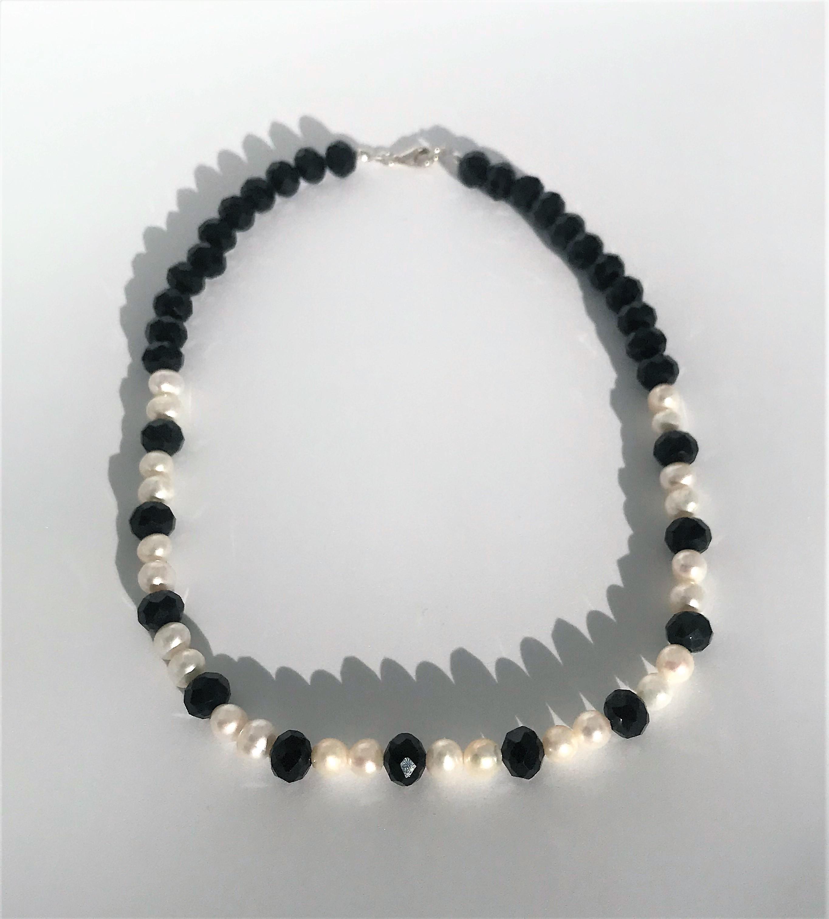 Fekete-fehér nyaklánc - édesvízi igazgyöngy