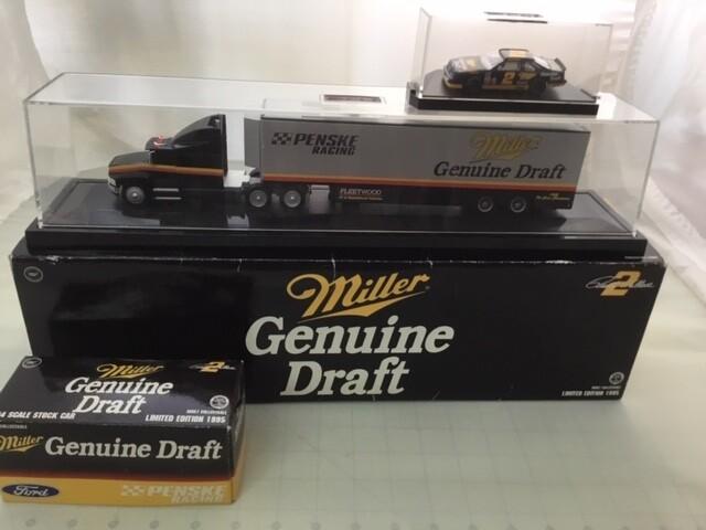 NDC122 1/64 Miller Genuine Draft Hauler with Car