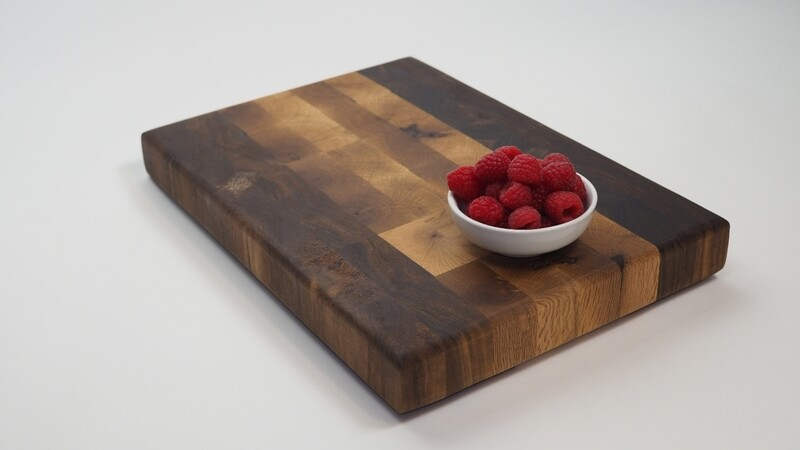 Tabla de corte Nogal y encina - End grain cutting board