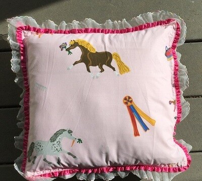 Pillow : Pony pattern