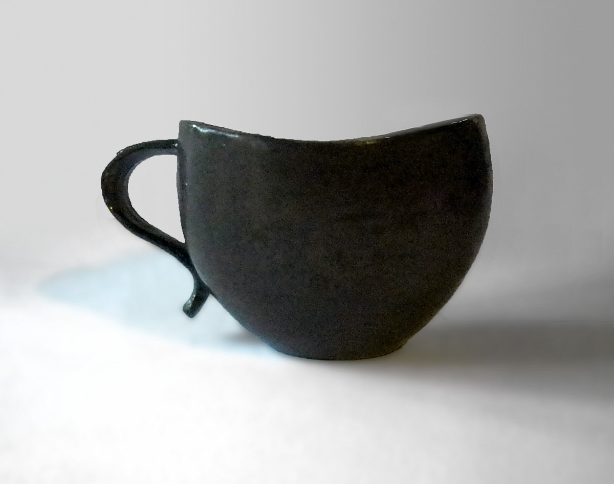 Curvy Lip Mug in Ebony