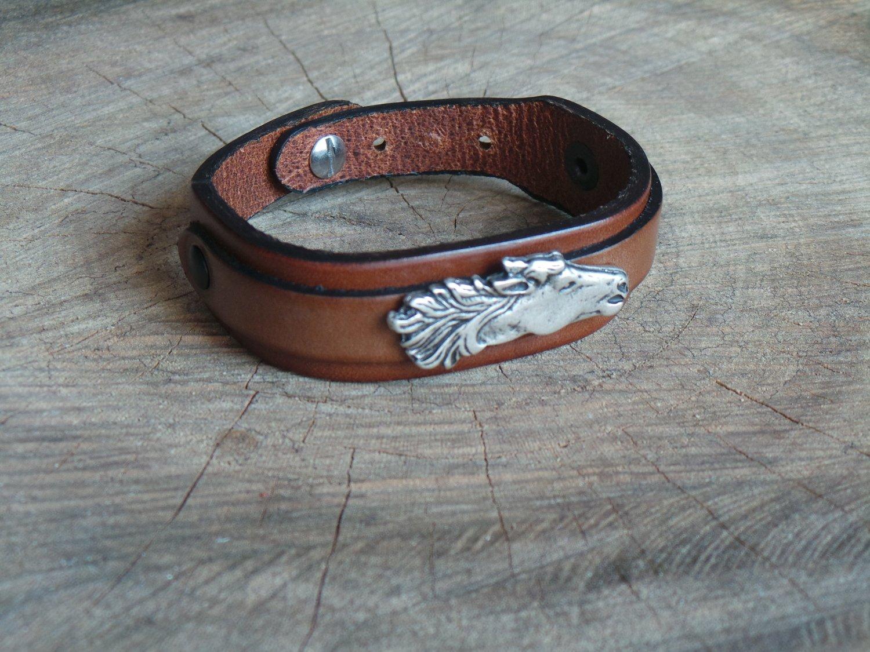 Bracelet en Cuir Double Lanière avec Motif Cheval Finition Argent Vieilli
