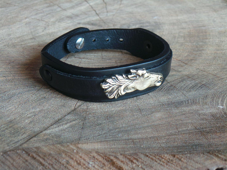 Bracelet en Cuir Double Lanière avec Motif Cheval Finition Laiton Vieilli