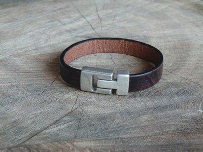 Bracelet en Cuir 10 mm avec Fermoir Vintage Finition Argent Vieilli