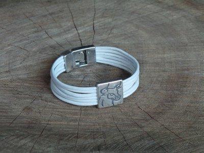 Bracelet Cuir Rond 6 Brins Personnalisable avec Fermoir Acier Coulissant Tête de Taureau