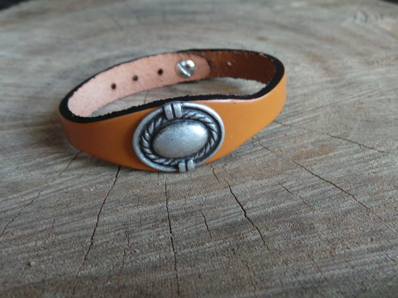 Bracelet en Cuir Simple avec Motif Ovale Finition Argent Vieilli
