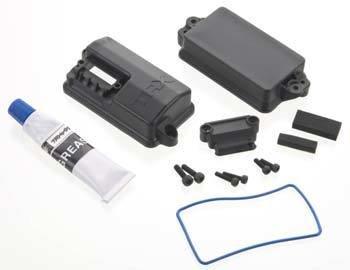 Traxxas Box, receiver (sealed)/ foam pad/2.5x8mm CS (4)/ 3x10mm CS (2)