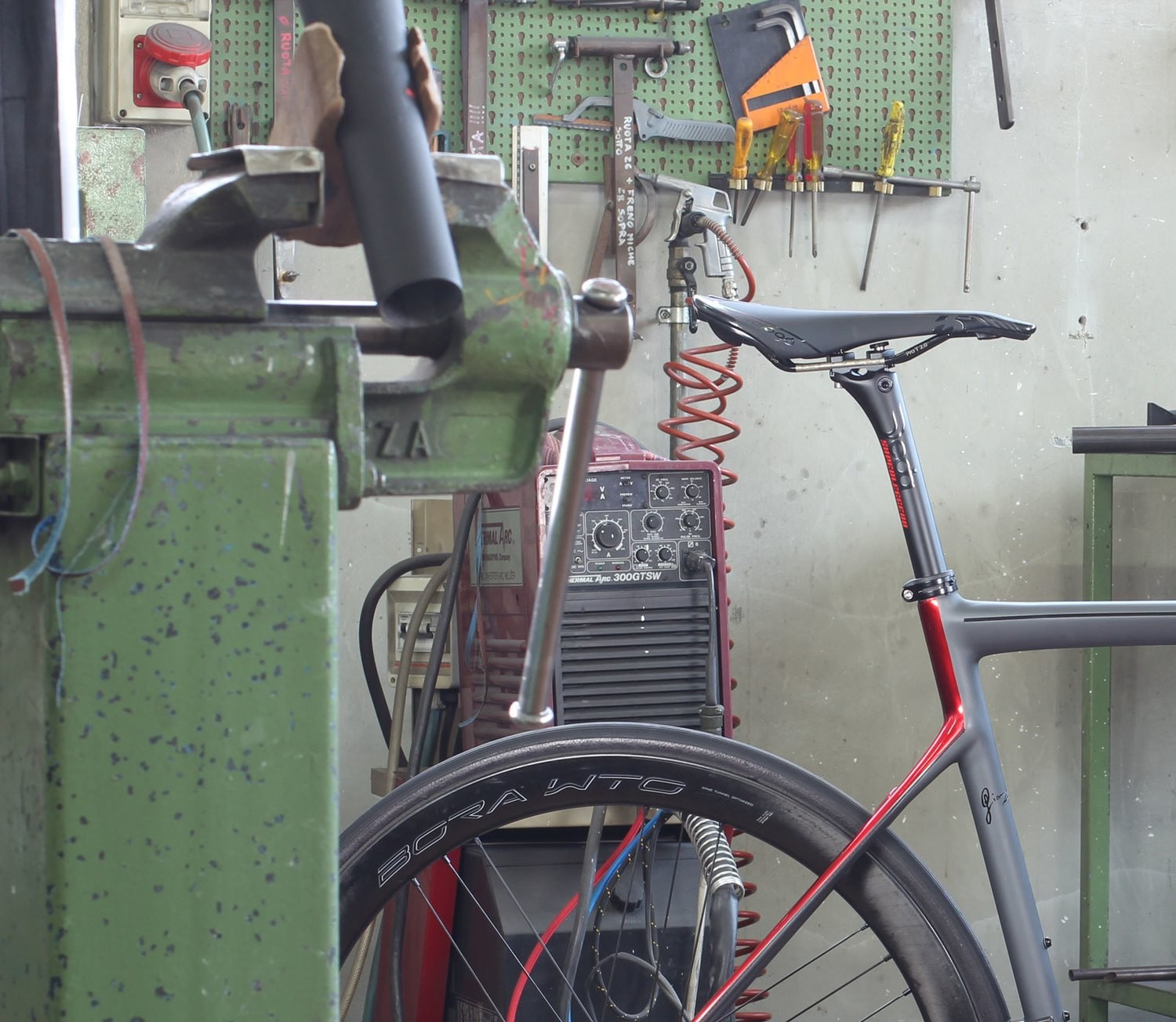 assemble complete bicycle