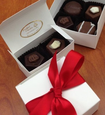 2 Piece Favor Box with Truffles.