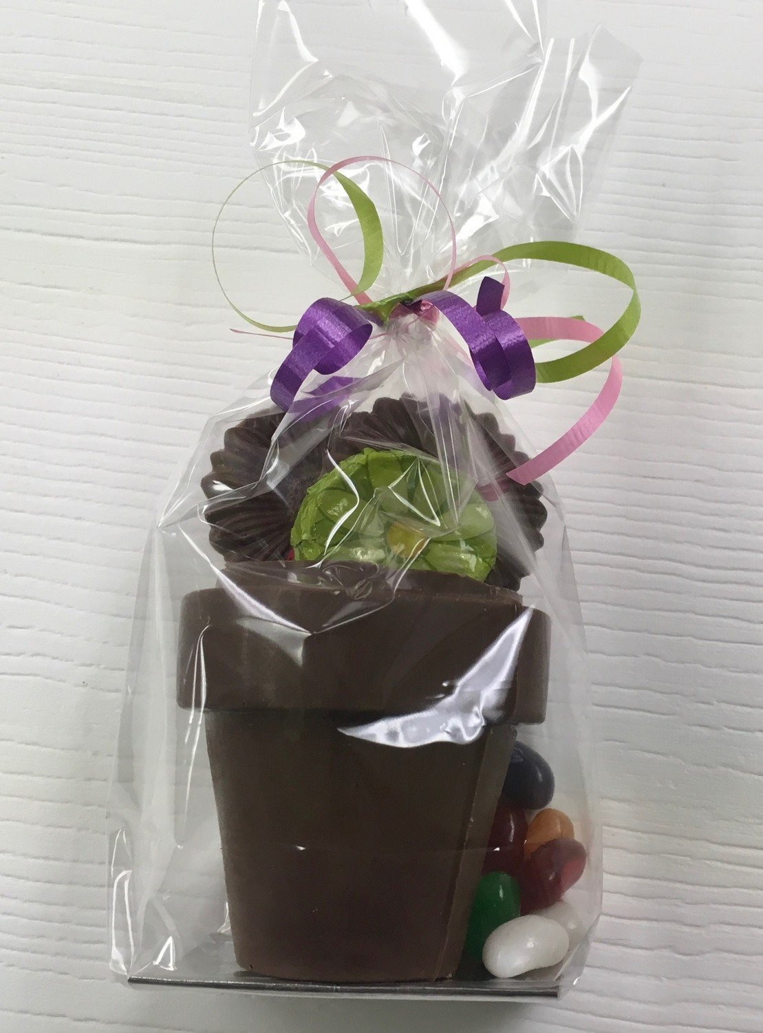 Filled Milk Chocolate Flower Pot. (may contain traces of peanuts)