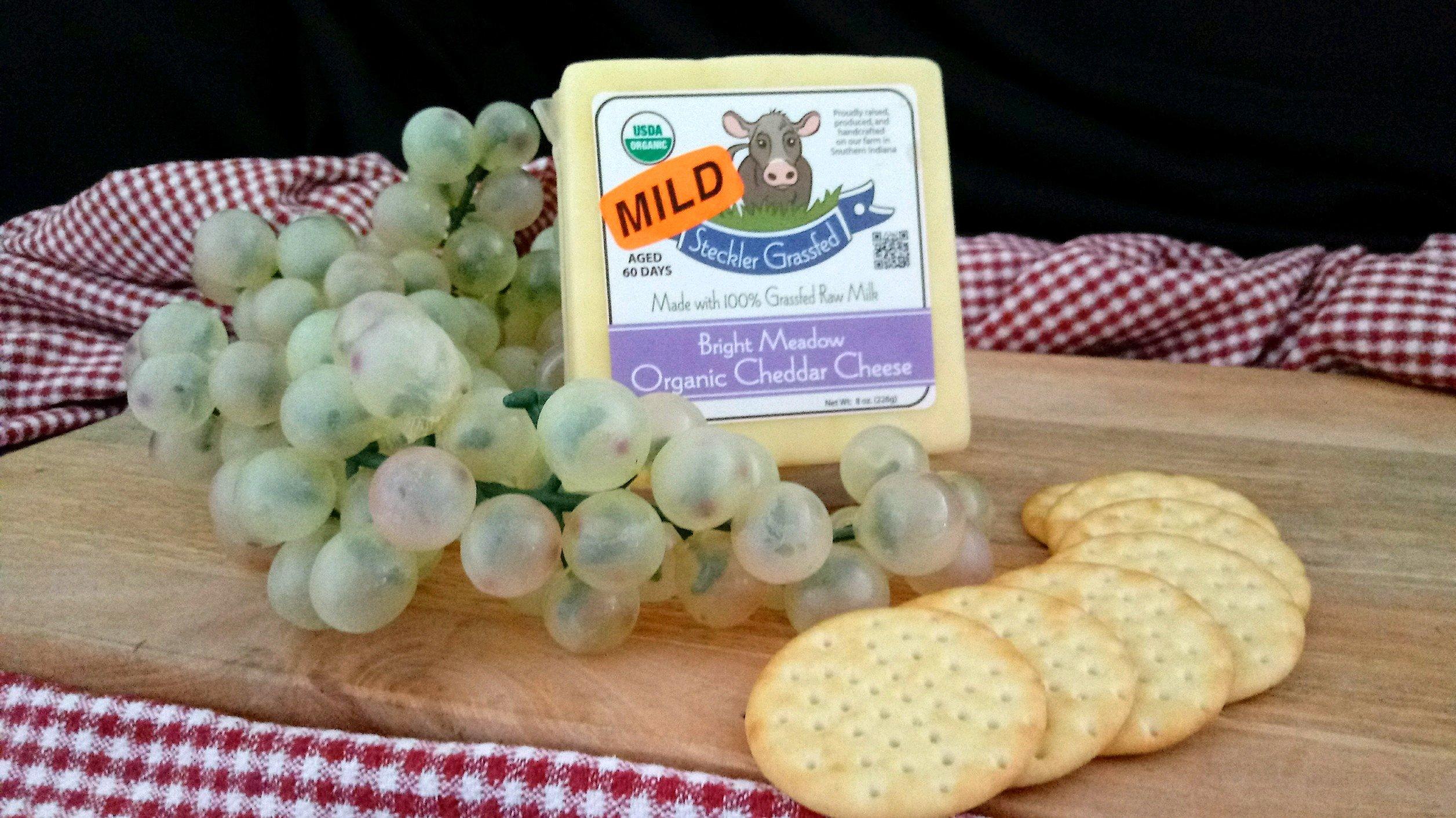 Bright Meadow Mild Cheddar Cheese C-CM18-0008