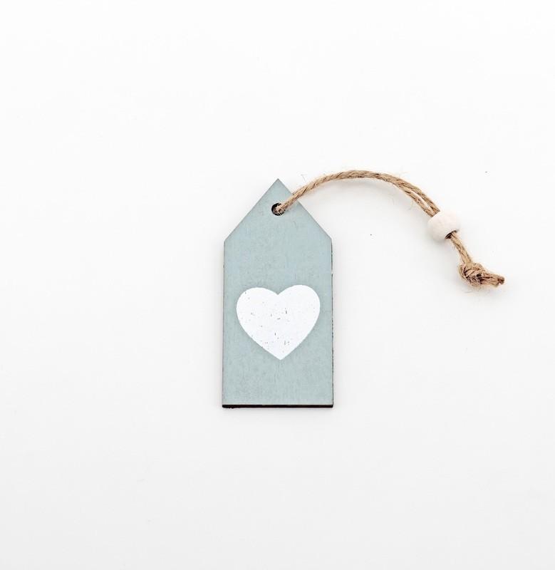 Applicazione targhetta in legno con cuore Pz.12
