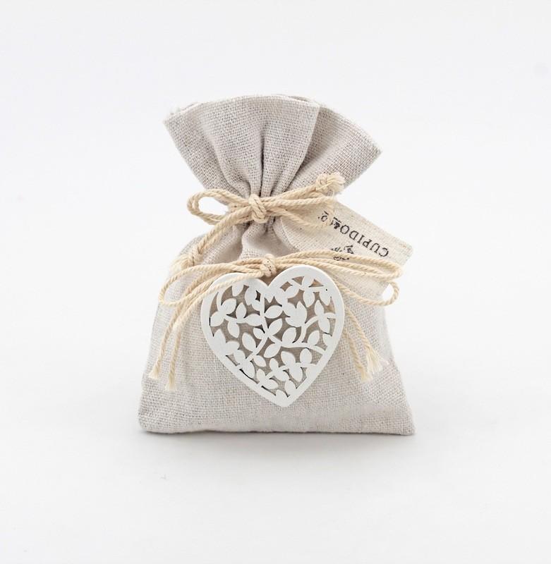 Sacchetto avorio con cuore in legno Pz.12