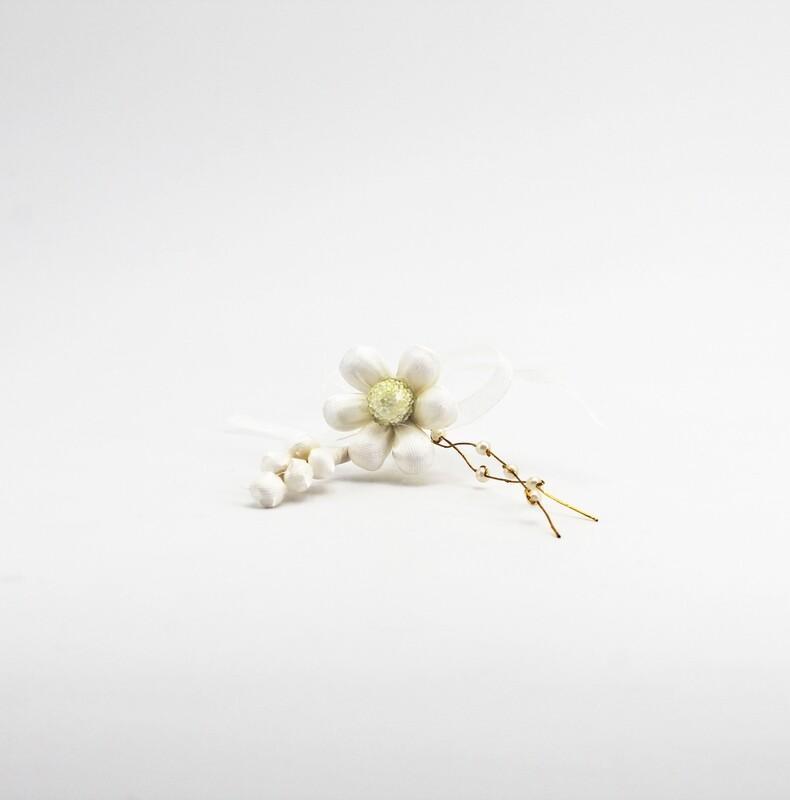 Applicazione pick fiore avorio con spiga e perle Pz. 10