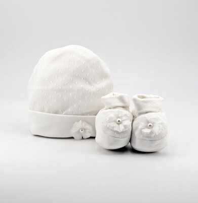 Completo in cotone cappellino e scarpine avorio con perline Pz. 1