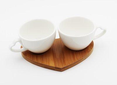 Bomboniera in porcellana set due tazzine con vassoio bambù Pz.1