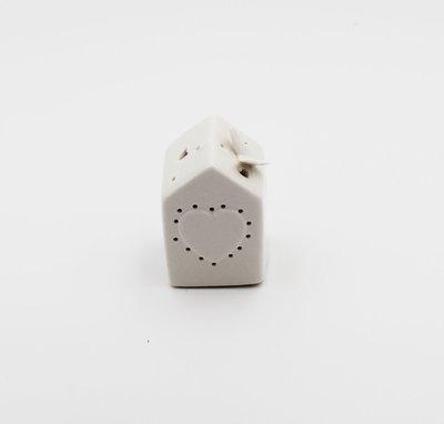 Bomboniera  in porcellana casetta cuore con led Pz.1