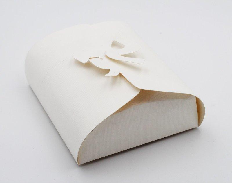 Scatolo fiocco seta bianco confezioni da pz. 10