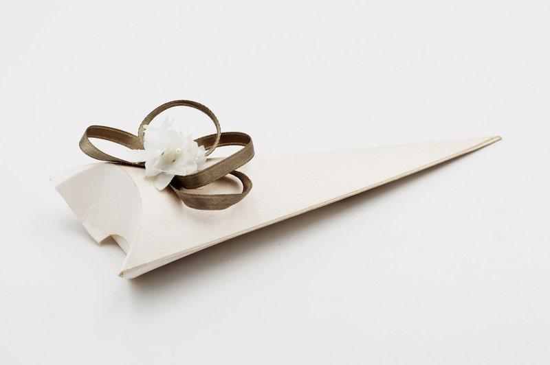 Cono busta seta bianco confezioni da pz. 10