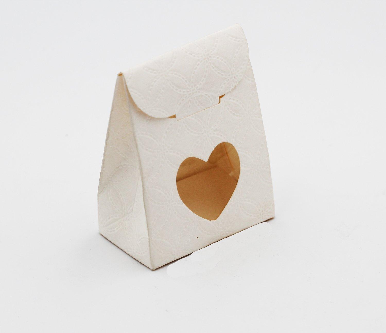 Scatolo sacchetto con cuore matalassè bianco confezioni da pz. 10
