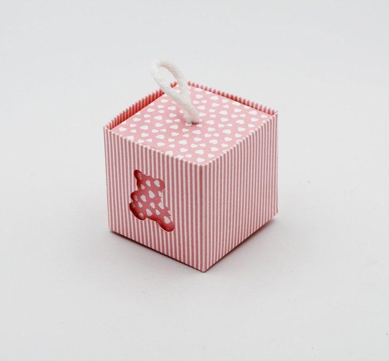 Scatolo rosa millerighe con orsetto più cordino Pz.10