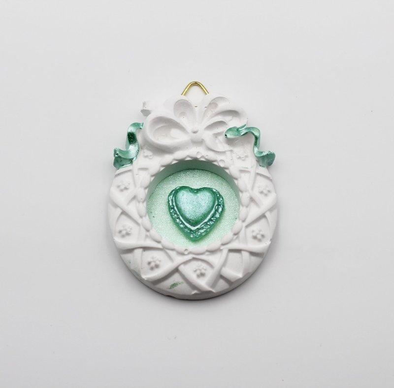 Gessetto cornice con cuore verde Pz. 6