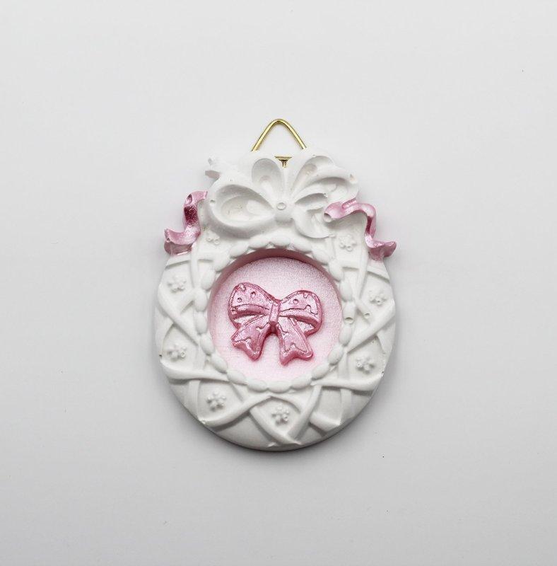 Gessetto cornice con fiocco rosa Pz. 6