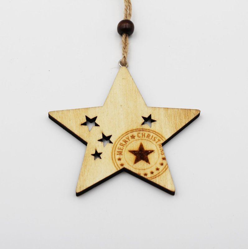 Applicazione stella in legno con cordino Pz.6