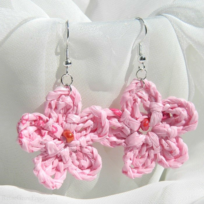 Light Pink With Dark Pink Flecks Crochet Flower Upcycled Bag Earrings With Pink Bead In Center C-Pink-Bead