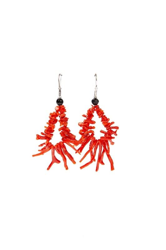 Orecchini in argento 925 con rametti di corallo rosso del Mediterraneo e agata nera, chiusura a gancetto - 925 Silver earrings with sprigs of Mediterranean red coral and black agate, hook clasp