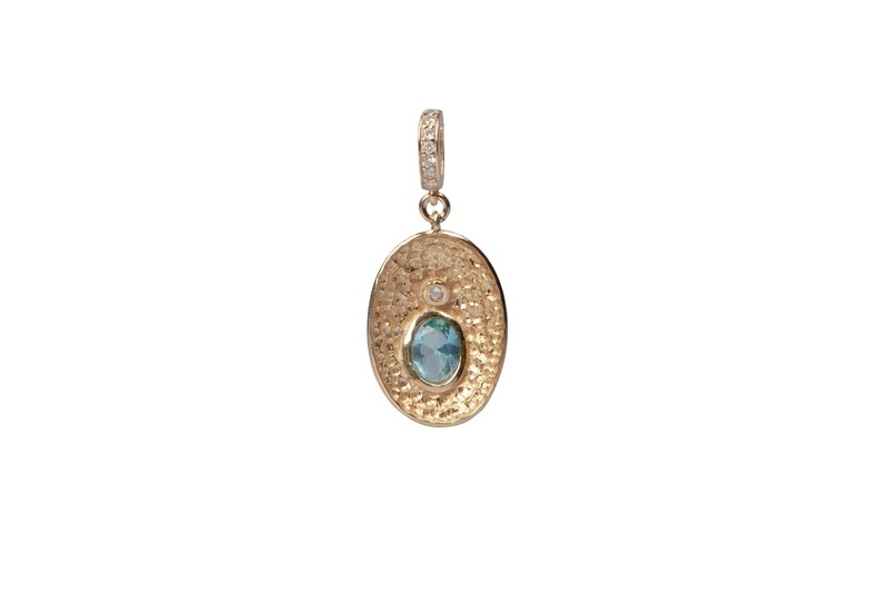 Pendente in argento martellato 925 con zirconi. Linea Etrusca - 925 Silver hammered Pendant with zircons. Etruscan Line