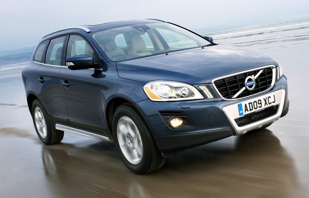 Volvo XC60 2.4D D5 EDC17CP22 1037532599 31392733 AA