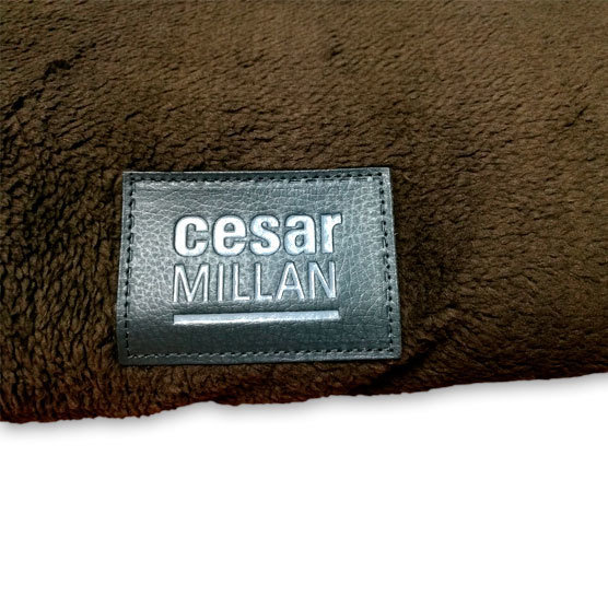 Cama Térmica Antideslizante para Perro Cesar Millan 48x74cms
