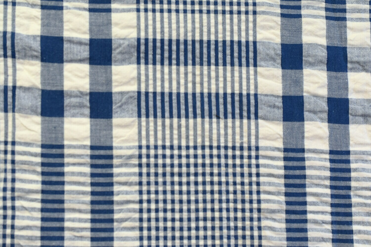 Searsucker Plaid-Blue\White